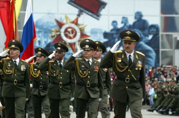 Офицеры России на параде
