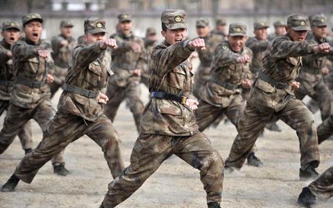 Китай увеличил военный бюджет-2012 на 11,2%