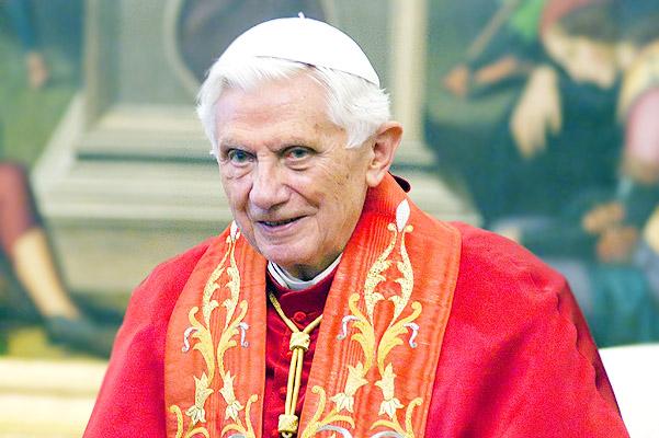 Папа Римский Бенедикт XVI отрекся от престола. Предсказание о последнем Папе