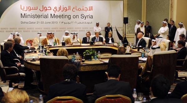 """Сирийские повстанцы получат военную помощь от """"друзей Сирии"""""""