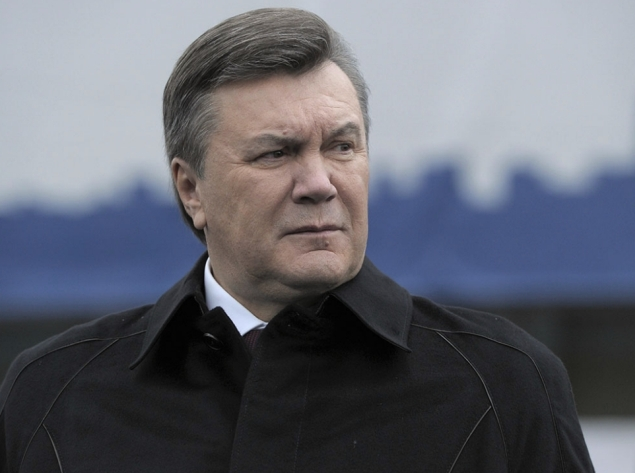 Янукович не уехал из Украины