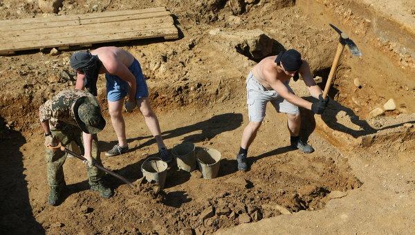 15 августа - День археолога